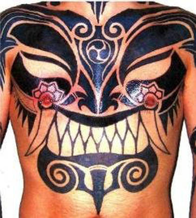 TATTOO E PIERCING, QUANDO IL CORPO SI IMMOLA ALL'ARTE