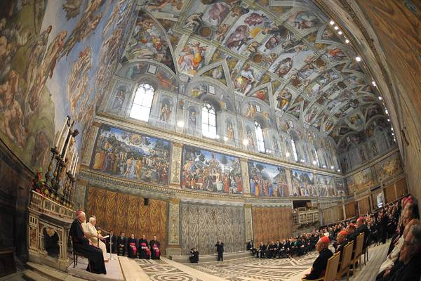 Pope Benedict XVI meets with artists in the Vatican's Sistine Chapel (archive photo)