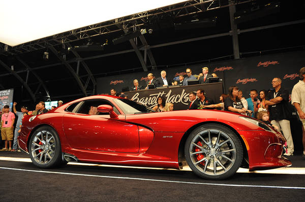 La prima Viper SRT 2013 va all'asta per 300.000 dollari