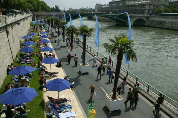 A view of Seine river
