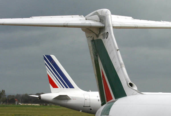 Alitalia: Les Echos, Etihad aims to be minority shareholder