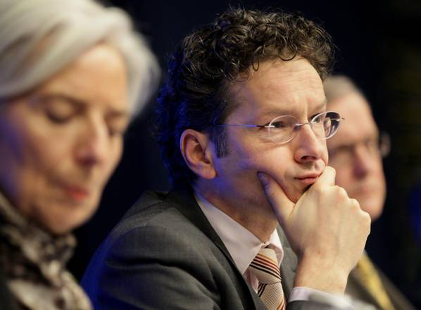 The Eurogroup's President Jeroen Dijsselbloem (C) and International Monetary Fund (IMF) Managing Director Christine Lagarde (L)
