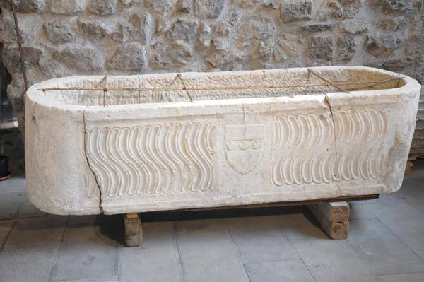 The 4th-century sarcophagus found in Amalfi