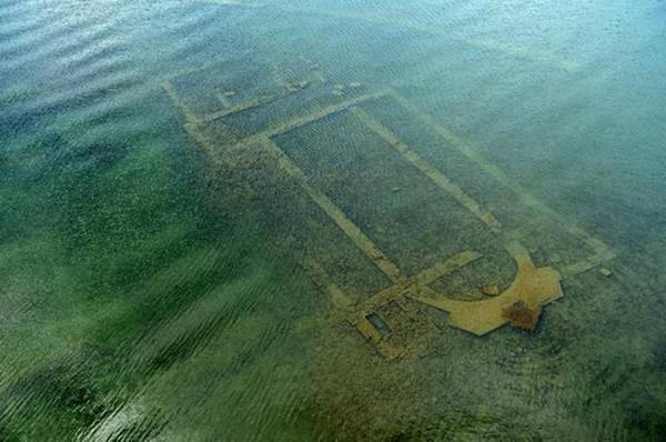 Traces of the church found in the depths of Lake Iznik