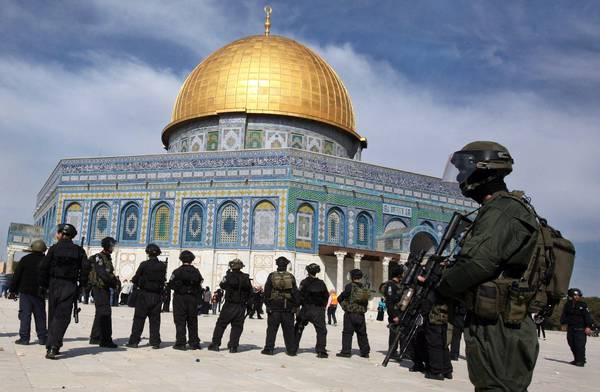 Israeli police at Dome of the Rock on Temple Mount in Jerusalem (archive)