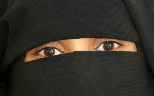 A 35-year-old Saudi woman pictured during a press conference in Berlin