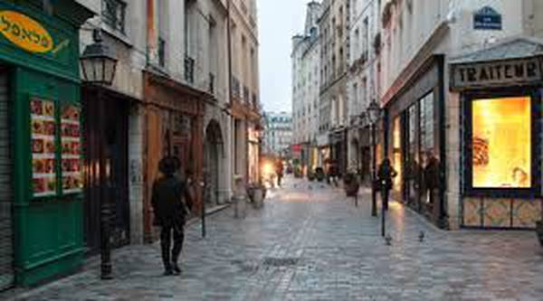 A walk in the Marais, the historic Jewish neighbourhood of Paris