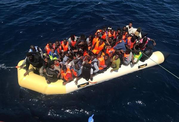 Sub-saharian migrants rescued off Spanish coast