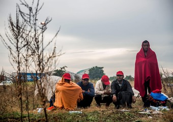 Migrants who are on hunger strike  at the border between Serbia and Hungary at Horgos, Serbia (archive)