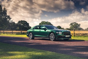 Bentley Flying Spur, più dinamica con componenti in fibra (ANSA)