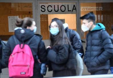 High schools reopen in Liguria (ANSA)