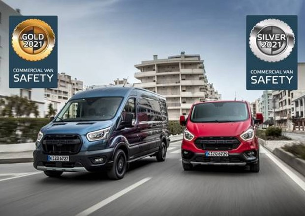 Ford Transit supera a pieni voti test per sicurezza attiva © Ford