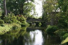 NINFA GARDENS GEAR FOR YEAR'S FINAL FLOURISH